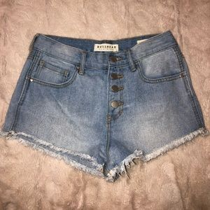 HIGH RISE Denim Bullhead Shorts